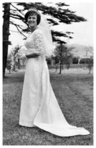 1965 Pat 's empire line wedding dress with train