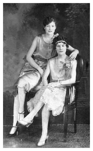 1920s Photographs Flapper Fashion Pictures Of Flappers