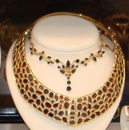 Womens Gold Jewellery Trends Fashion Accessories Autumn 2006 Winter