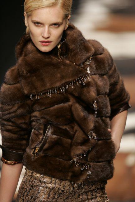 2005 6 fur fashion trends autumn 2005 amp winter 2006 fashion looks