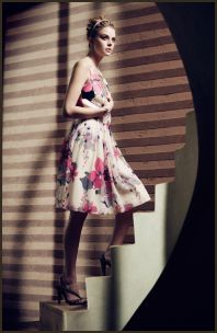 Flower print dress on fashion-era summer 2008 - Oasis Belle Campaign Floral Dress.