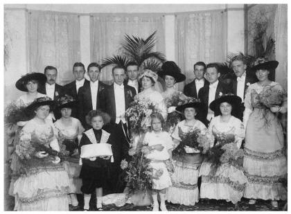 Titanic era fashion - Staten Island Wedding 1912