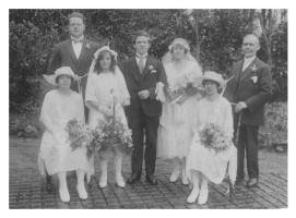 Wedding Group Photograph of Edith and Bert Courtney 1923