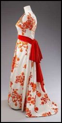 The Queen's 1972 State Visit Evening Dress. White velvet and red.