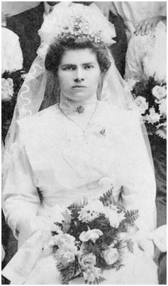 Ester Orban the bride in a 1912 wedding photo.