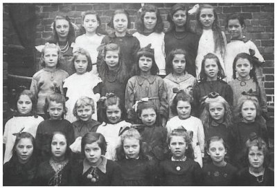 Hebburn Quay Board Old School Photo of Girls of 1905