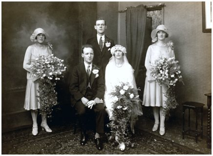 Fashion-era, fashion history vintage 1920s Wedding Photo - 1928 Thomas Paton and Lucy Flemmings Bride Wedding Dress