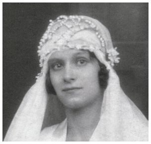 Wedding veil headdress worn by (Mary) Veronica Standen 1931 - Gorton