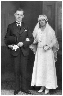 Wedding picture of grooom and bride- James Paton and (Mary) Veronica Standen 1931 - Gorton