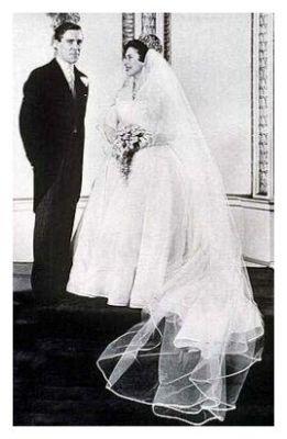 Princess Margarets Wedding >> 1960 Royal Wedding Dress | Picture of Princess Margaret Wedding – Fashion History, Costume ...