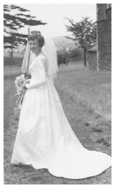 1963 wedding photo bride carol Sewing Patterns For Wedding Dresses