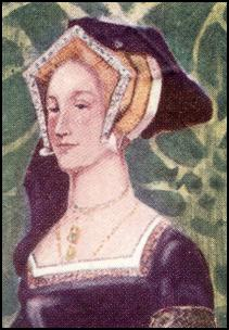 Headdress - WOMAN OF THE TIME OF HENRY VIII - 1509-1547