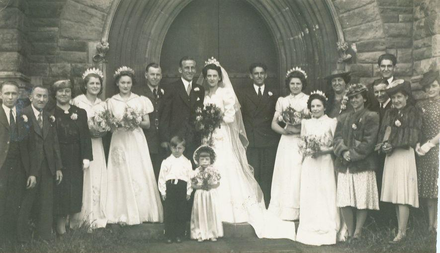 5000c57590c 1940s Wedding Dresses Photographs