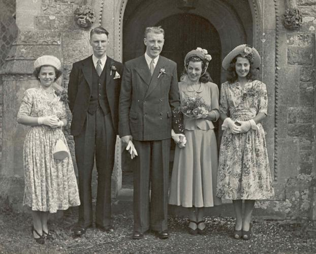 1940s Wedding Dresses Photographs Wartime Wedding Fashion History