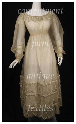Vintage Romantic Dress from Contentmentfarm.com 036f9367d
