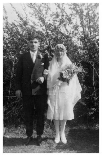1918 Wedding Photos Shorter Brides Dress Fashion